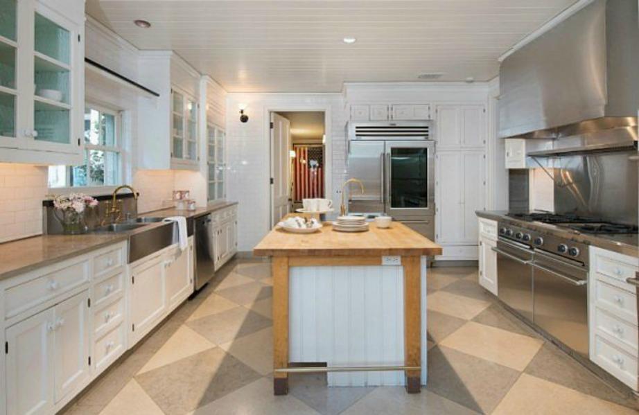 Η κουζίνα είναι το δυνατό σημείο αυτού του σπιτιού.
