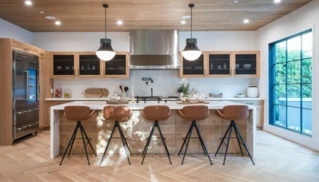 Το Χρώμα που Αξίζει να Βάψετε τα Ντουλάπια της Κουζίνας σας, Σύμφωνα με Color Expert -Ζεστό και ουδέτερο