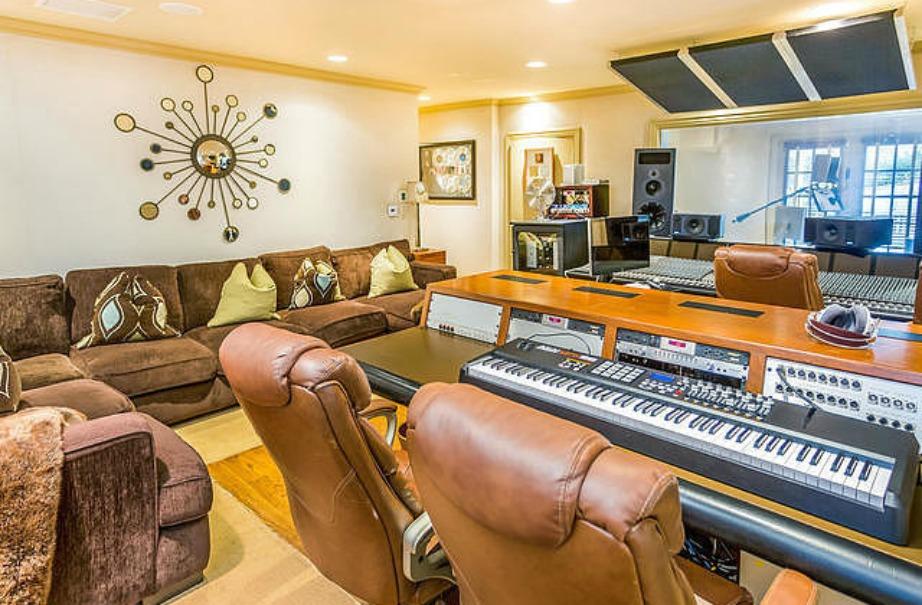 Το studio ηχογράφησης.