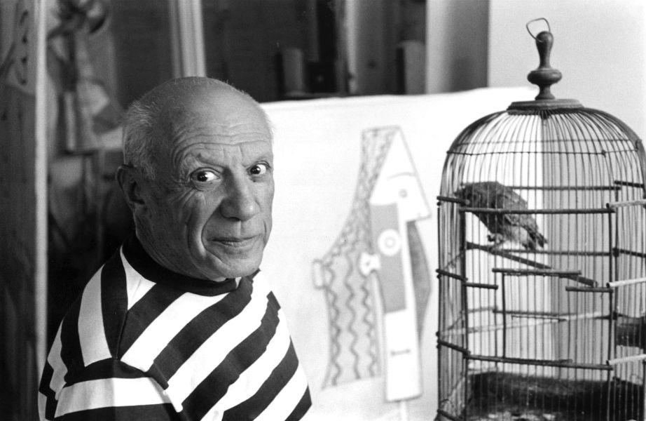 Ο διάσημος ζωγράφος στο ατελιέ του.