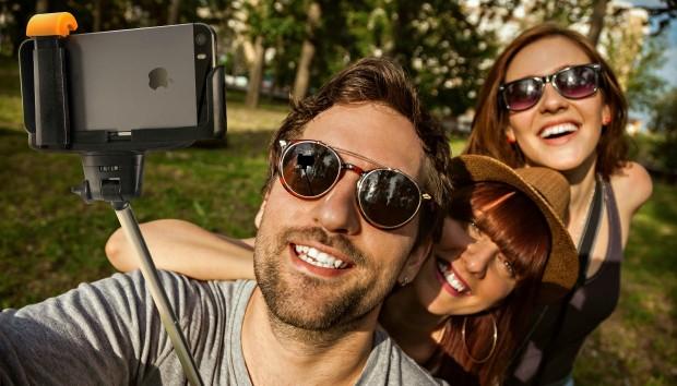Αυτό Είναι το Νέο Stick για Selfies που θα σας Ενθουσιάσει!