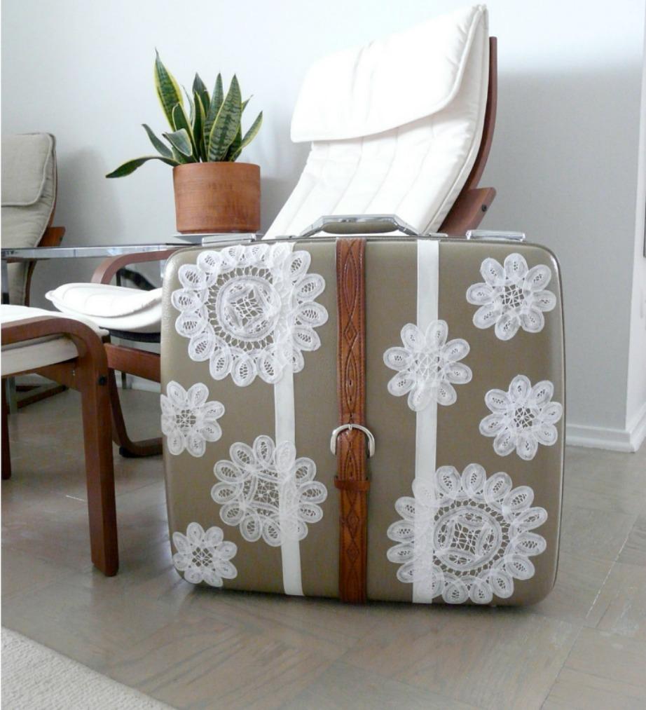 Δείτε πόσο όμορφη δείχνει αυτή η vintage βαλίτσα.