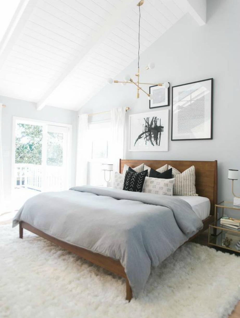 Το λευκό διαθέτει αμέτρητες αποχρώσεις ανάλογα με τα χρώματα που ανακατεύεται. Μια ελαφρώς πιο σκούρα version του είναι επίσης μια καλή πρόταση για τους τοίχους μικρών δωματίων.
