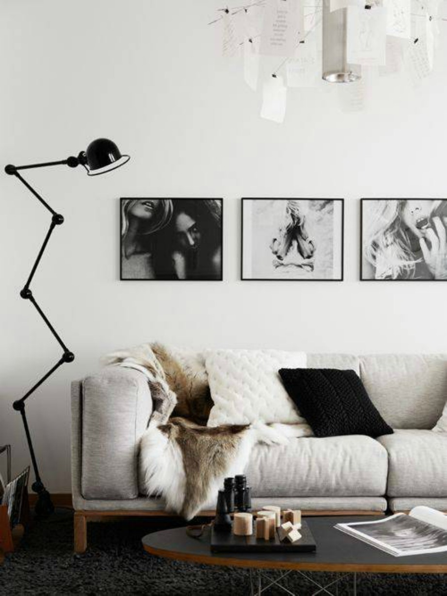 Ο πάντα απλός και διαχρονικός συνδυασμός του λευκού και του μαύρου δίνει εκ φύσεως την πολυτέλεια που θέλετε.