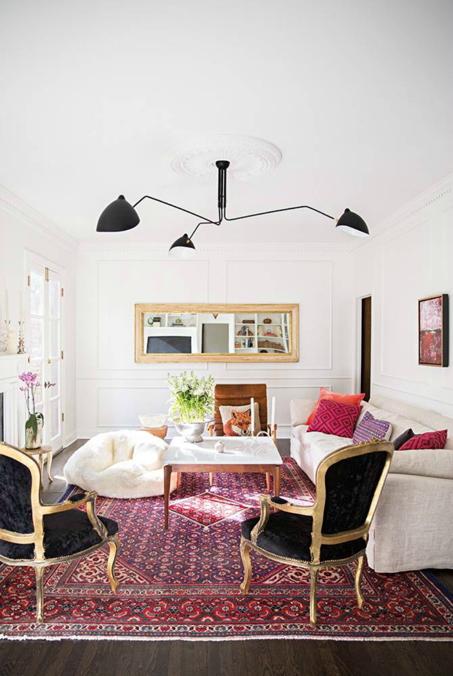 Ένας καλός φωτισμός μπορεί να αναδείξει αλλά και να «χαντακώσει» διακοσμητικά το χώρο σας. Φροντίστε να πάντα να εντάσσεστε στην πρώτη περίπτωση.