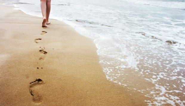 Δείτε τι να Κάνετε για να μην Καίγεστε από την Καυτή Άμμο
