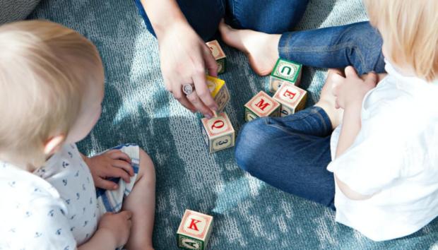 5 Τρόποι να Κρατήσετε τα Παιδιά Χαρούμενα και Υγιή Μέσα στην Καραντίνα