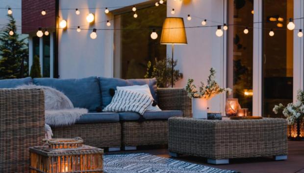 Πώς θα Μετατρέψετε τη Βεράντα σας σε Ζεστό Σαλόνι -Για να Κάθεστε Έξω και τον Χειμώνα