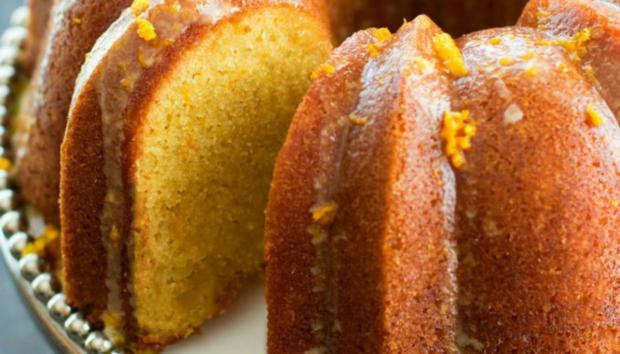 Κέικ Γιαουρτιού με Πορτοκάλι Χωρίς Ζάχαρη και Αυγά