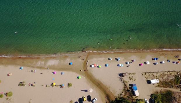 8 Παραλίες για να Απολαύσετε τις Βουτιές σας στην Αττική