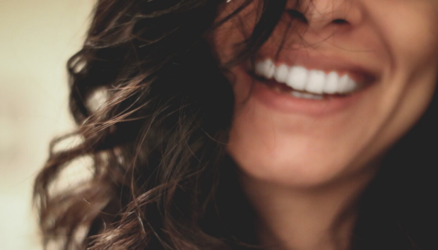 Αφήνετε τα Δόντια σας Χωρίς Βούρτσισμα για μία Μέρα; Δείτε Γιατί Είναι Μέγα Λάθος
