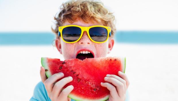 Σνακ για την Παραλία: Θρεπτικές, Καλοκαιρινές Προτάσεις για να μην Αγχώνεστε τι θα Φάει το Παιδί