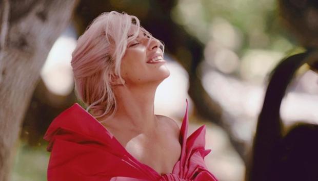 10 Celebrities που Έχουν Αντιμετωπίσει Θέματα Ψυχικής Υγείας και Έχουν Μιλήσει Ανοιχτά για Αυτά
