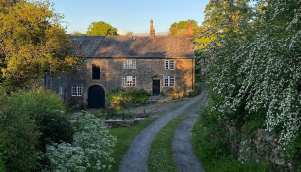 Η Ζωή Ενός Ζωγράφου στην Αγγλία Μοιάζει με Σκηνικό της Σειράς Downton Abbey