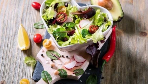 Vegetarians: Νέα μελέτη Αποδεικνύει ότι Έχουν πιο Υγιείς Βιοδείκτες Από Όσους Τρώνε Κρέας
