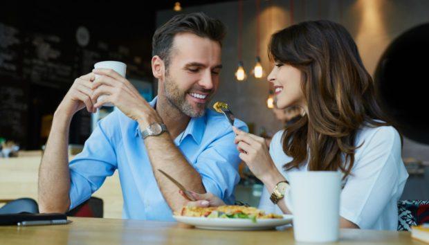 Τι θα Συμβεί στο Σώμα σας Μόλις Σταματήσετε να Τρώτε Έξω!