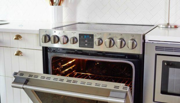 Ο πιο Υγιεινός Τρόπος για να Καθαρίσετε τον Φούρνο σας!