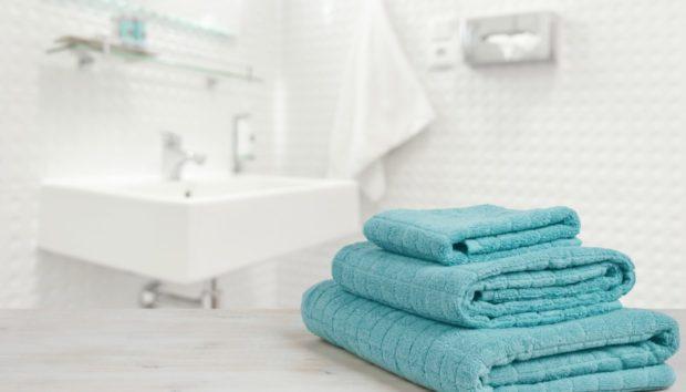 Μόλις 2 Λεπτά θα σας Πάρει για να Αποκτήσετε Πεντακάθαρο Μπάνιο. Δείτε πώς!