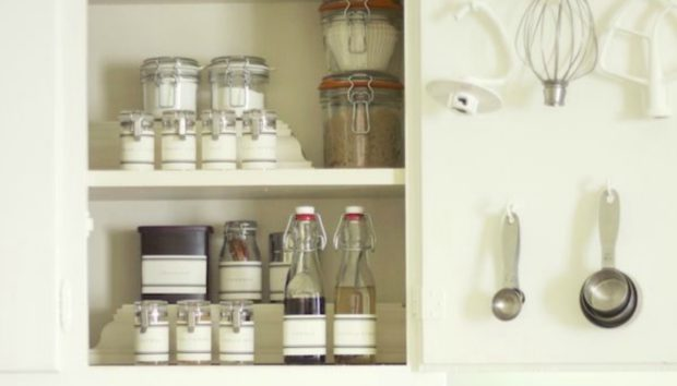 9 Σούπερ Οργανωμένα Ντουλάπια Κουζίνας που θα σας Ενθουσιάσουν!