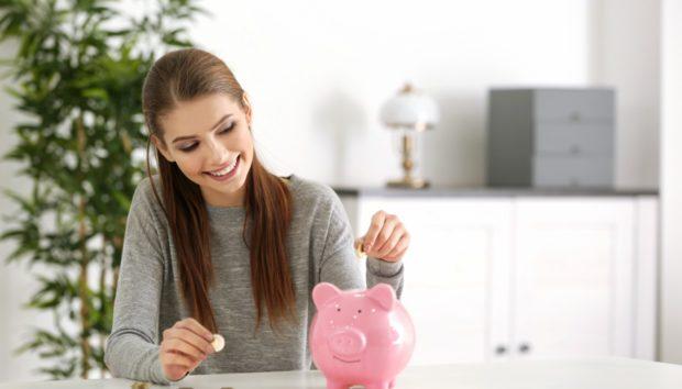 7 Τρόποι για να Βάλετε Χρήματα στην Άκρη Ακόμα κι αν Δυσκολεύεστε!