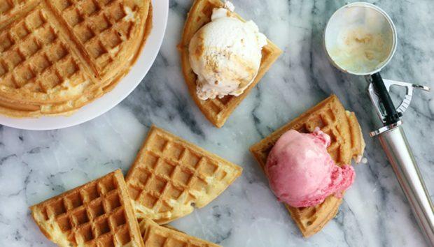Παγωτό Σάντουιτς: Μπορείτε να το Έχετε Έτοιμο σε 3 Λεπτά!