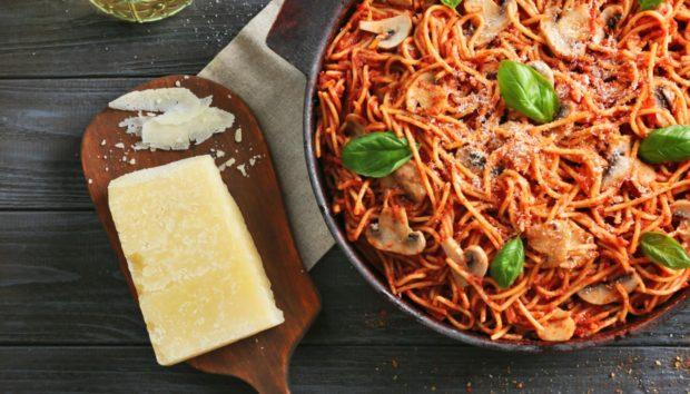 Με 3 Μόνο Υλικά Μπορείτε να Φτιάξετε την πιο Νόστιμη Μακαρονάδα που Έχετε Φάει Ποτέ!
