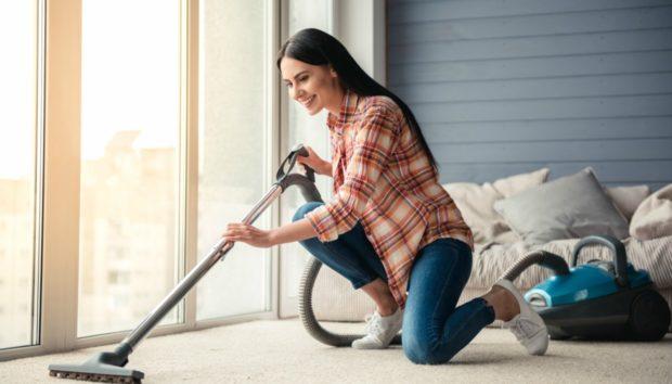 Έχετε Μάθει να Σκουπίζετε Μπρος-Πίσω; Είναι Λάθος!