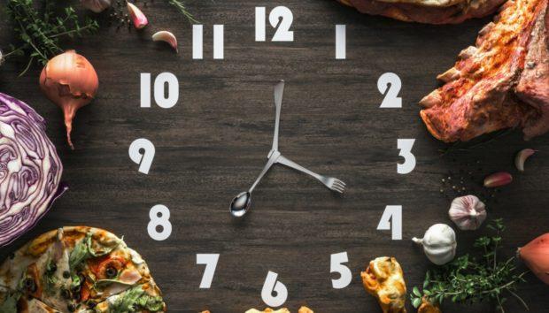 Νέα Έρευνα μας Λέει τι Ώρα Πρέπει να Τρώμε για να Χάσουμε Βάρος!