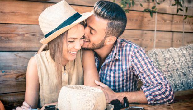 Πώς ναΕρωτευτείτεκαι Πάλι με τον Σύντροφό σας (Σύμφωνα με Έναν Ειδικό)