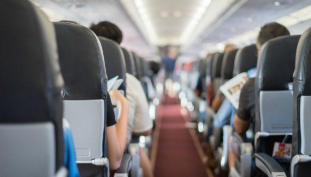 Αυτά Είναι τα 3 πιο Ενοχλητικά Πράγματα που Μπορείτε να Κάνετε Μέσα σε Ένα Αεροπλάνο