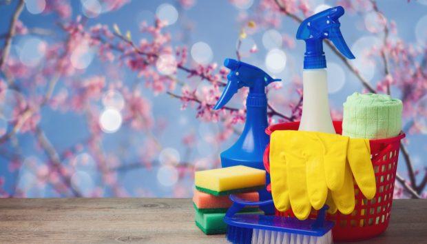 Εύκολο Καθάρισμα Σπιτιού Αυτή την Άνοιξη Χωρίς να Κουνήσετε Ούτε το Δαχτυλάκι σας (Σχεδόν)!