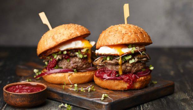Το Τέλειο Burger που Είναι Έτοιμο σε Λιγότερο από 20 Λεπτά!