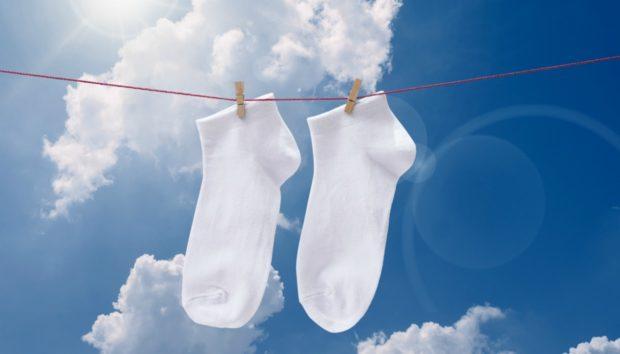 Έτσι θα Κάνετε τις Βρώμικες Λευκές Κάλτσες σας… Πεντακάθαρες!