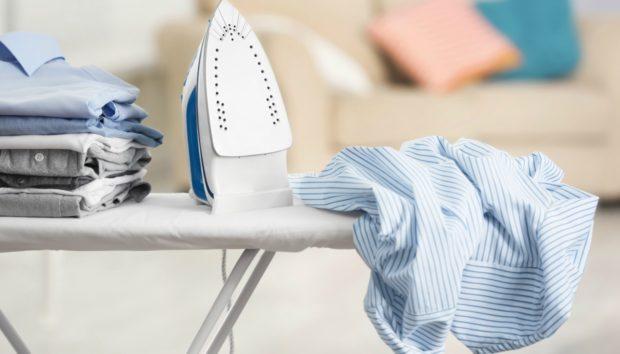 Βάλτε το Σίδερο στην Ντουλάπα! Δείτε πώς θα Σιδερώνετε από Εδώ και Πέρα τα Τσαλακωμένα Ρούχα σας