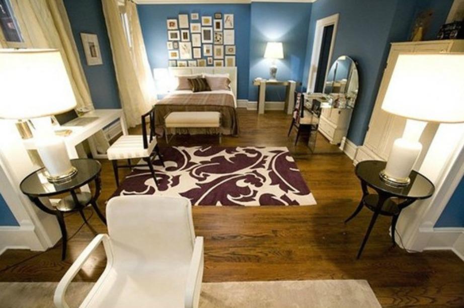 Και το σπίτι της Carrie Bradshaw στο Μανχάταν της Νέας Υόρκης έχει ακριβώς αυτή τη λογική του πολύ μικρού διαμερίσματος που δεν έχει δεύτερο δωμάτιο.